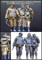Evolution Miniatures 35034 Russian infantrymen and wounded tankman.(Chechen Republic)