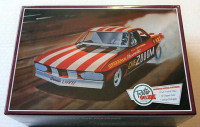 AMT 873 CHEZOOOM CORVAIR FUNNY CAR 1:25